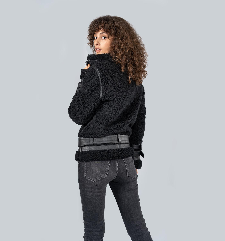 Snowin-Female_Black-2